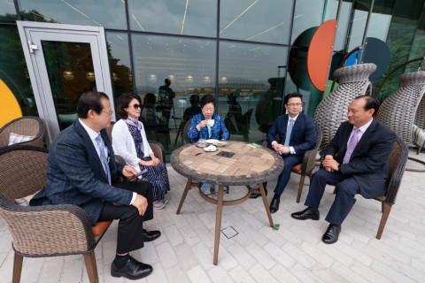 真父母來訪HJ天宙天寶修錬苑、海芬G漢堡及視察泡菜工廠